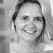 Katja Schäfer - Ansprechpartnerin für berufliche Weiterbildung beim FES ES, dem Verein der Freunde der Friedrich-Ebert-Schule Esslingen